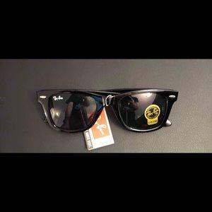 FLASH SALE Rayban wayfarer sunglasses